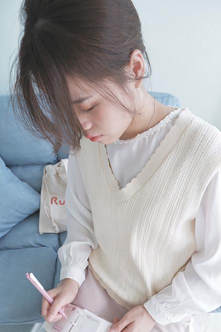 Ruiyoo-Work-Yoo-V-Neck-Knitted-Vest-Milky-White-Main-2